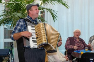 Accordeonist huren www.oudhollandsentertainment.nl